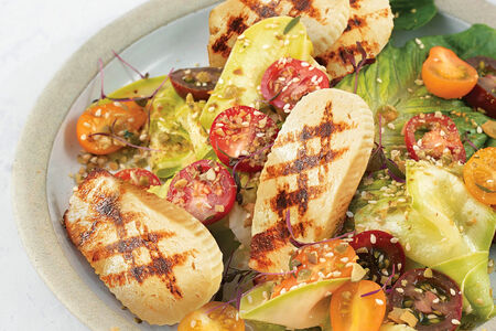 Салат Овощной с жареным адыгейским сыром