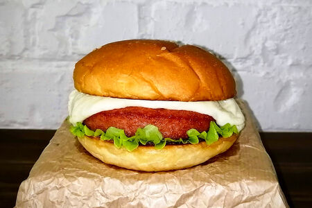 Гамбургер с моцареллой