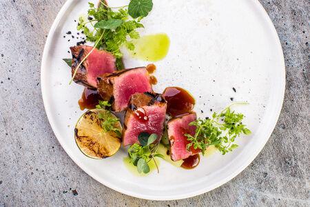 Стейк из тунца с домашним соусом терияки