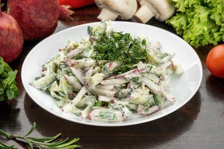 Салат С редисом и зеленым луком