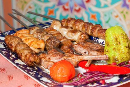 Ассорти из узбекских шашлыков