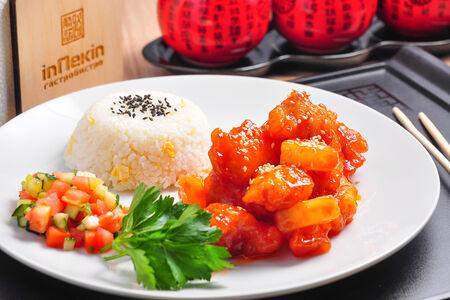 Курица в кисло-сладком соусе с ананасами по-гуандунски