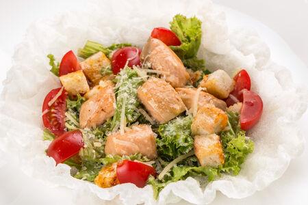 Салат Инсалата Чезаре с лососем