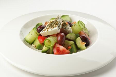 Салат Греческий с оливками Каламата