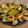 Фото к позиции меню Кальмар с овощами темпуре с соусом васаби