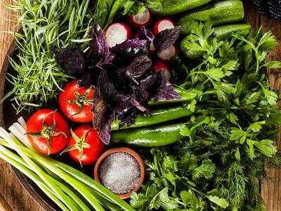 Сезонные овощи с ароматной зеленью