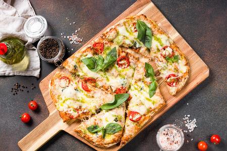 Пицца Марго с песто