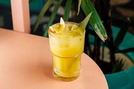 Домашний лимонад с маракуйей