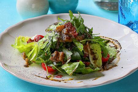 Микс салатов с баклажанами и вялеными помидорами
