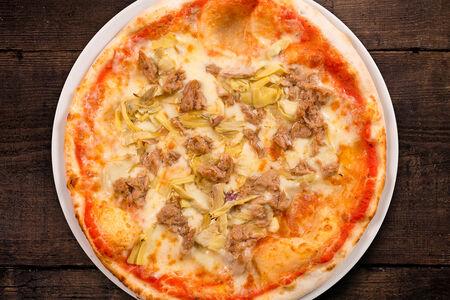 Пицца с тунцом и артишоками