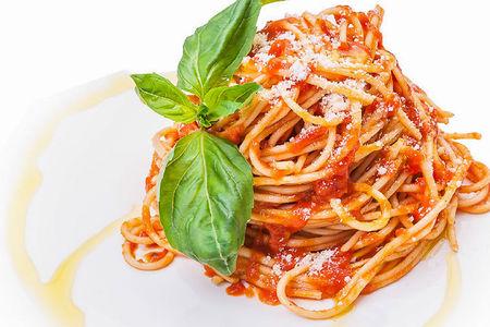Спагетти помодоро э базилико