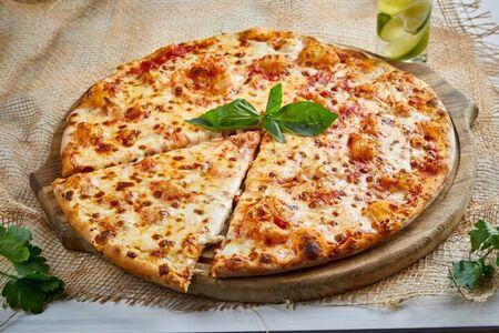Пицца Маргарита 28 см