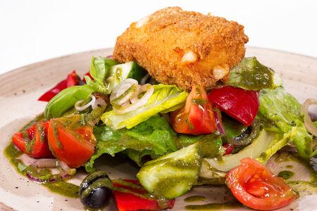 Овощной салат в греческом стиле