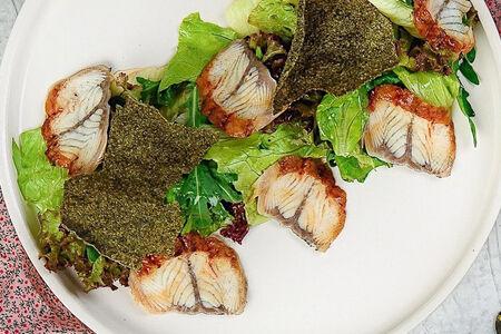 Салат с угрем и кремом из маскарпоне