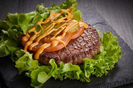 Гамбургер #farш в листьях