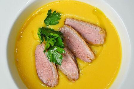 Суп-пюре гороховый с копченой уткой