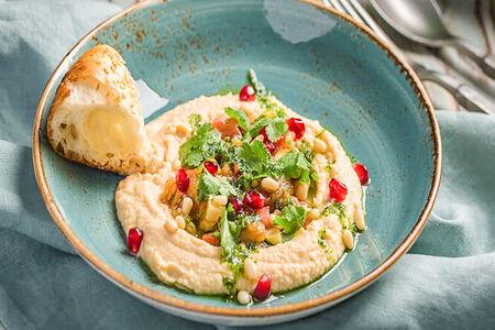 Хумус с печёными овощами