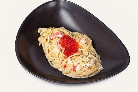 Спагетти с крабом и красной икрой