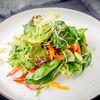 Фото к позиции меню Салат овощной со шпинатом