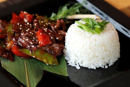 Телятина с рисом по-азиатски