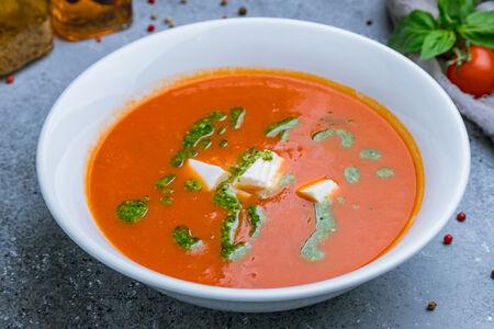 Крем-суп томатный с домашним сыром