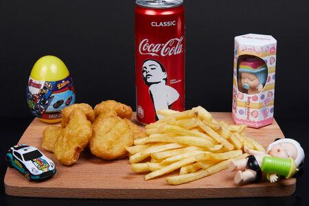 Комбо Хеппи Мил с куриными наггетсами для мальчиков