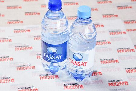Вода в ассортименте