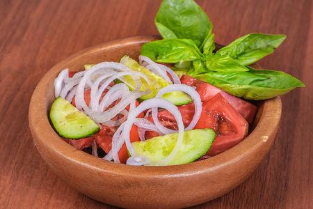 Салат Огурец и помидор