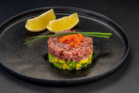 Тартар с тунцом