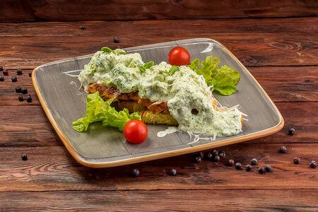 Филе индейки с брокколи под сырно-сливочным соусом