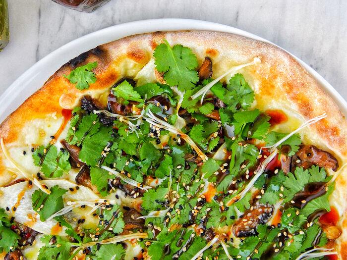 Пицца Экзотика с вешенками