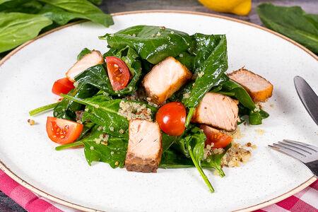 Салат с тёплым лососем