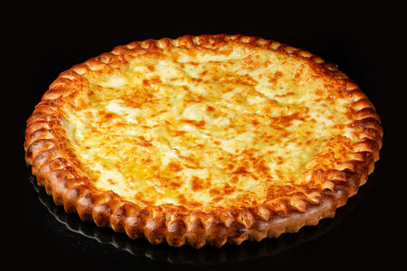 Пицца Сырная на пышном тесте