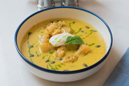 Тыквенный крем-суп с лангустинами и рикоттой