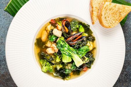 Суп с морскими гадами