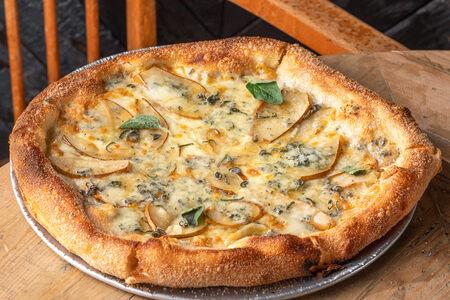 Пицца Груша и горгонзола