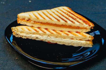 Сэндвич с арахисовой пастой и сливочным сыром