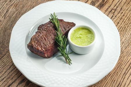 Денвер стейк с зеленым маслом