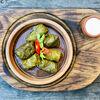 Фото к позиции меню Долма с чесночным соусом