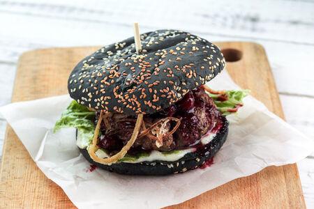 Бургер с бифштексом из мраморной говядины