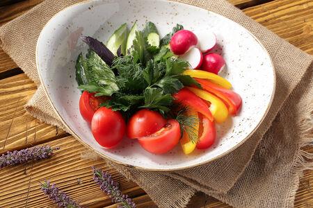 Ассорти из овощей с зеленью