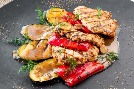 Гриль-микс с овощами и курицей