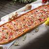 Фото к позиции меню Метровая пицца Капричеза
