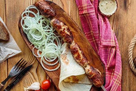 Шашлык из колбас