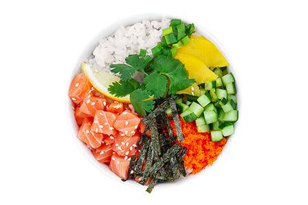 Поке с лососем с гавайским соусом