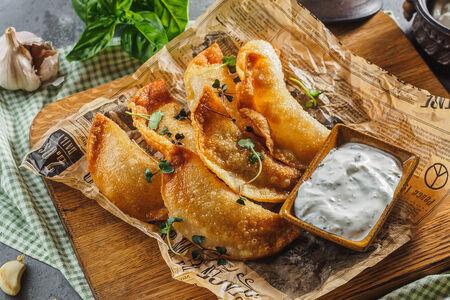 Мини-чебуреки с лососем