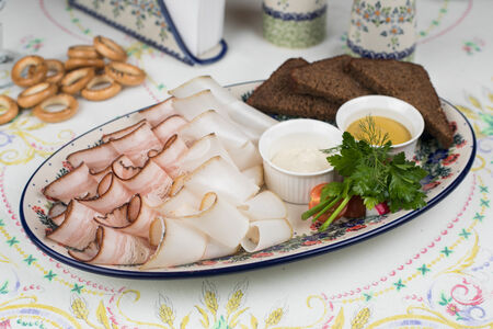 Копченое сало с бородинским хлебом
