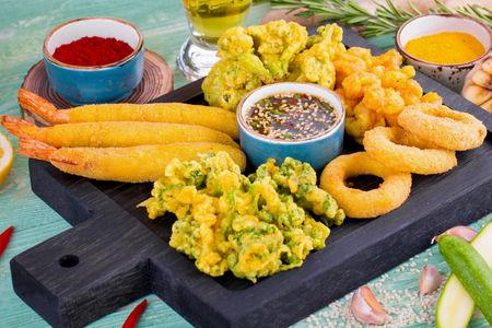 Ассорти морепродуктов в темпуре