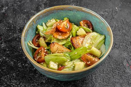 Салат с цыпленком терияки