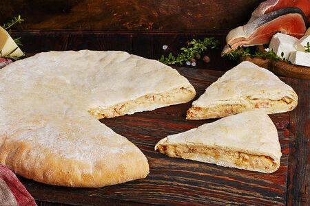 Пирог осетинский с горбушей, картофелем и сыром